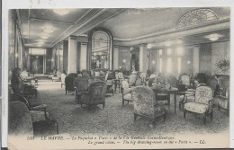 """CPA- TRANSPORTS -  FRANCE - LE HAVRE - Paquebot """"PARIS"""" - Compagnie Générale Transaltlantique : Le Grand Salon . - Paquebots"""
