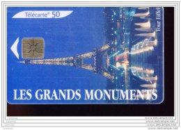 F1346  PARIS  TOUR EIFFEL - France