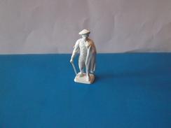 RARE     1   PERSONNAGE   MOKAREX     BEARNAIS - Figurines
