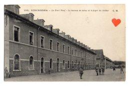 11977-LE-94-VINCENNES-Le Fort Neuf-Le Bureau De Tabac Et Le Foyer Du Soldat--------animée-militaires - Vincennes