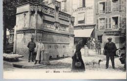 - FRANCE (41) - CPA Vierge BLOIS - Fontaine Louis XII (EPICERIE A. RENOULT - TABAC) - Imp. CATALA 587 - - Blois