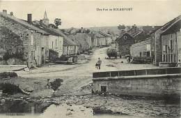 -ref-N48-  Haute Marne - Rolampont - Une Rue - Carte Bon Etat - - France