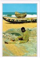 R3488 Togo - Lomé - Pescatore Che Ripara Le Reti - Cartolina Con Legenda Descrittiva - Edizioni De Agostini - Afrique