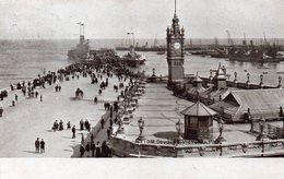 Postcard - Douglas Victoria Pier & Harbour Lighthouse, Isle Of Man. A - Isle Of Man