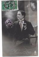 Bonne Fête -  Homme Et Bouquet De Violettes - Fêtes - Voeux
