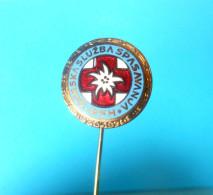 CROATIAN MOUNTAIN RESCUE 1950-70  Old Enamel Pin Badge De Secours En Montagne Bergrettung Soccorso Alpino Mountaineering - Polizei