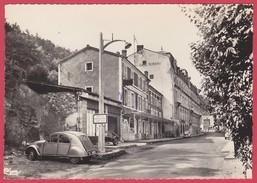 CPSM - 63 - PUY DE DOME - ST NECTAIRE - L'HOTEL DE L'UNIVERS + 2 CV CITROEN - Saint Nectaire
