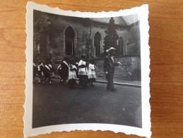 DAOULAS PHOTOS  SOLDATS ALLEMANDS PROCESSION COMMUNION + COTE 1941 2 PHOTOS - Non Classés