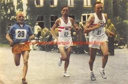 Marathonlopers. Links Janus Van Der Zande - Athlétisme