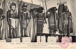 PK - CP - AK - Paris - Hôtel De Invalides - Musée De L'Armée - Salle Bougainville - Types De Guerriers Exotique - Musei