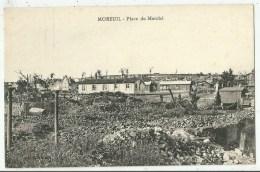 Moreuil (80.Somme)  Place Du Marché - Moreuil