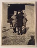 ITALO BALBO - COSTANZO CIANO E ALTO UFFICIALE CM.10,5X8 - Guerra, Militari