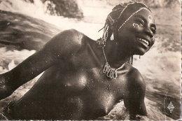 CARTE REGION DE MOBAYE OUBANGUI YAKOYE AU BAIN FEMME AFRICAINE AFRIQUE COIFFURE TRIBALE CONGO CENTRAFRIQUE - Central African Republic
