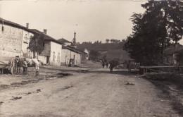CP Photo 14-18 SAVONNIERES-EN-WOEVRE (Valbois, Près Vigneulles-lès-Hattonchâtel) - Une Rue, Soldats (A157, Ww1, Wk 1) - Unclassified