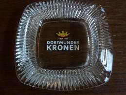Cendrier -DORTMUNDER KRONEN, Transparent, Carré Côté: 13 Cm  , Ht:2,6 Cm ,verre - Cendriers