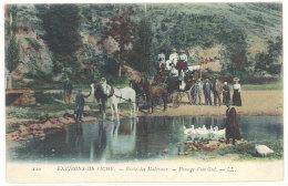 Cpa Environs De Vichy - Route Des Malavaux - Passage D'un Gué  ( Attelage, Diligence )    ((S.829)) - France