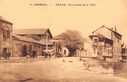 """06399 """"SENEGAL -  DAKAR UN ENTREE DE LA VILLE """" ANIMATA, AUTO ANNI '20. CART. ILL. ORIG. NON SPED. - Senegal"""