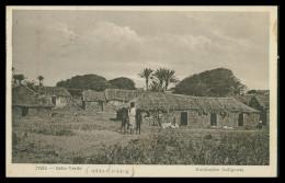SANTIAGO - PRAIA - Habitações Indigenas ( Ed. Serra & Sousas Lda.)  Carte Postale - Cap Vert