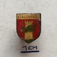 Badge (Pin) ZN003728 - Austria (Österreich) Klagenfurt Am Wörthersee (Celovec Ob Vrbskem) - Cities