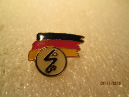 4 - Badges