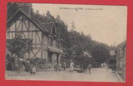 Le Mesnil Sur L Estrée  -- Le Bureau De Poste --  Coins Réparés - France