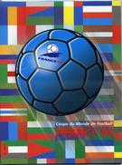 FRANCE COUPE DU MONDE 1998 Feuillet Integrale Des Timbres + CPA Footix - 1998 – Frankrijk
