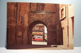 LAMBESC    ---   La Porte De Salon   -  - Automobile -  ( Pas De Reflet Sur L´original ) - Lambesc