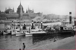 Budapest Parlament Parliament Le Parlement Avec Bateaux Boats - Hongrie
