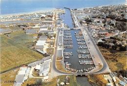 CALVADOS  14   COURSEULLES SUR MER  EN AVION SUR LA PLAGE ET LE BASSIN DES YACHTS - Courseulles-sur-Mer