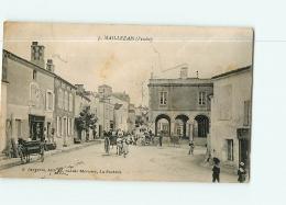 MAILLEZAIS , La Place. 2 Scans. Edition Bergevin - Maillezais