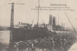"""CPA - Marseille - Embarquement Des Troupes Pour La Maroc à Bord Du Paquebot """" Chaouia """" De La Cie N. Paquet - Oude Haven (Vieux Port), Saint Victor, De Panier"""