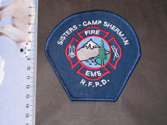 Ecusson Pompiers Tissu Brodé - SISTERS-CAMP SHERMAN - FIRE - EMS - R.F.P.D. - Firemen
