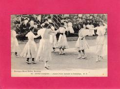 TYPES BASQUES, Jeunes Filles Dansant Le Fandango, Animée, (M. D.) - Danses