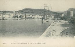 13 CASSIS / Vue Générale Du Port Et De La Ville / - Cassis