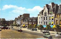 50 - ST HILAIRE DU HARCOUET : Av. Du Général Leclerc - Jolie CPSM Dentelée Colorisée Format CPA 1969 - Manche - Saint Hilaire Du Harcouet