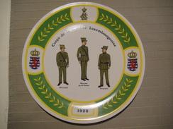 Luxembourg Douane Luxembourgeoise Assiette Souvenir Signée Numérotée 39 Villeroy Et Boch - Obj. 'Remember Of'