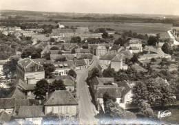 CPSM - VILLEBLEVIN (89) - Aspect Du Bourg Dans Les Années 50 - Villeblevin
