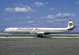 Aviation Postcard-664- MEXICANA COMET 4  XA-NAR