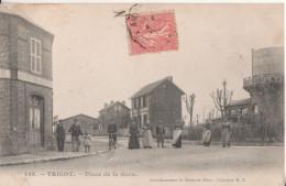 60  Tricot Place De La Gare - France