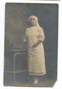 MILITARIA..WW1..Carte Postale Photo De Mai 1917. INFIRMIERE CROIX ROUGE - Croix-Rouge