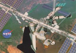 ORLANDO (Etats-Unis) - Station Spatiale Internationale (navette Spatiale Américaine Et La Station Russe MIR) - Orlando