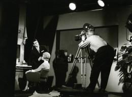 France Photographe JP Rossignol Au Travail En Studio Ancienne Photo 1960 - Photographs