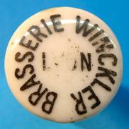 BOUCHON EN PORCELAINE BRASSERIE WINCKLER LYON - Bière