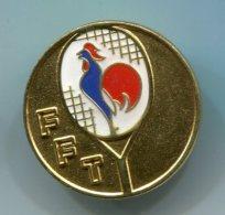 567 - INSIGNE FFT FEDERATION FRANCAISE DE TENNIS NIVEAU OR 30 MM - Apparel, Souvenirs & Other