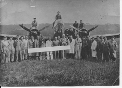 Les Mureaux 1940 Avion Potez 63/11 Et Son Pilote Louis Filliatreau Entouré Par Les Mécaniciens 1 Photo 1939-1945 Ww2 Wk2 - War, Military