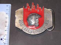 FRANCE- SAPEURS POMPIERS -  UN BOUCLE DE CEINTURON  ( Mention:fabriqué Par GRAphil) - Firemen