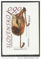 "ESLOVAQUIA/ SLOVAKIA/ SLOWAKEI -EUROPA 2014-   "" INSTRUMENTOS MUSICALES NACIONALES""-  SERIE De 1 V.ADHESIVO  Del CARNET - 2014"