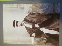 Photographie Ancienne  Montée Sur Carton / Juge Assis Avec Toge Et Mortier/Vers 1890 - 1910     PHOTN199 - Photographie