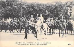MILITARIA - EVENEMENT - LES FETES DE LA VICTOIRE 13-14 JUILLET 1919 : Avant Défilé : Les Maréchaux PETAIN & FOCH - C - Other