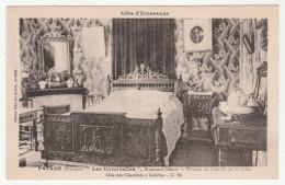"""PARAMÉ - """"Les Coccinelles"""" - Boulevard Hébert - Pension De Famille - Une Des Chambres à Coucher - Tarifs Au Verso - - Parame"""